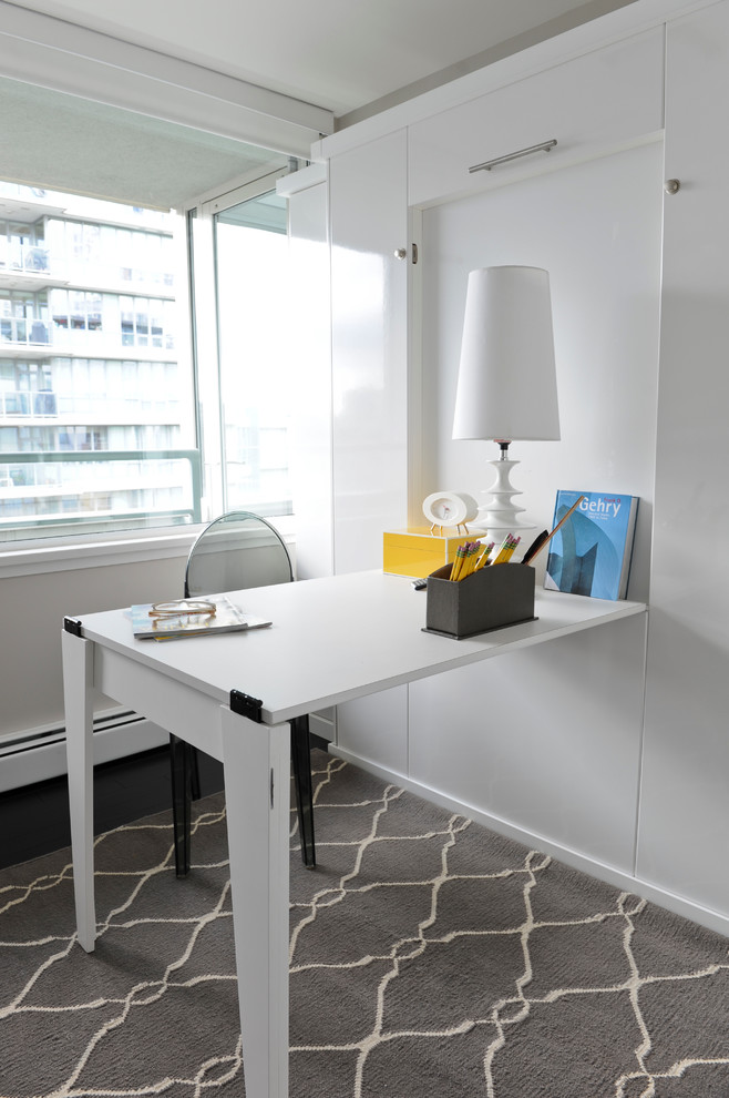 White Desk for Small Spaces