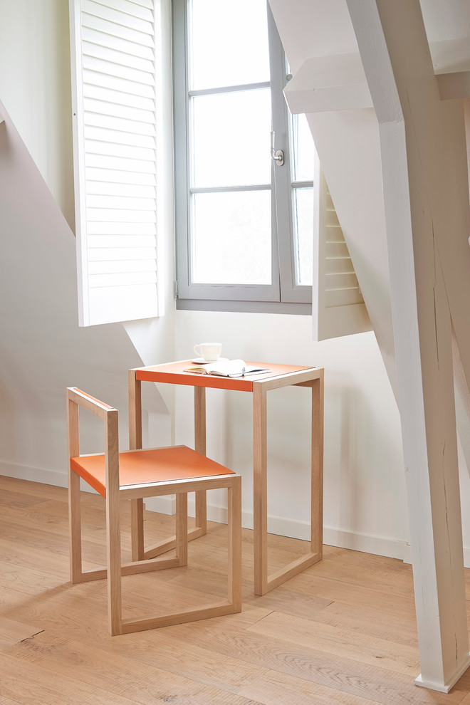 Small Desk for small spaces